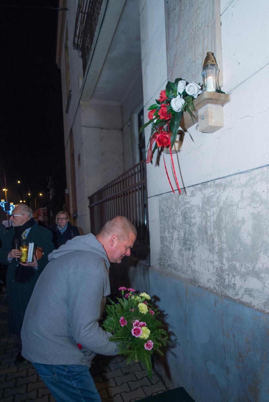 Kazik Staszewski poczas wizyty w Pabianicach