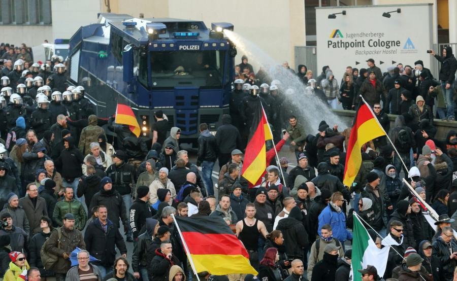 Manifestacja Pegidy w Kolonii