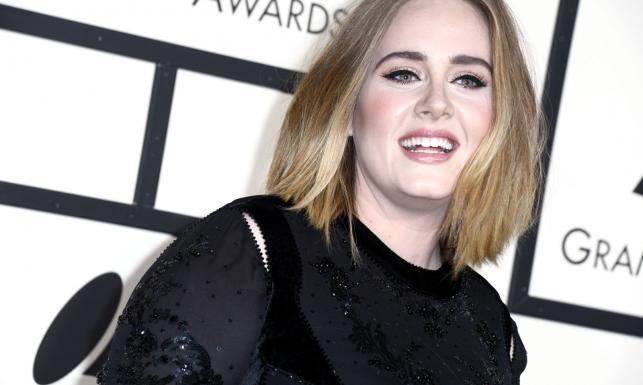 Adele na Grammy zaliczyła wpadkę, ale fani są zachwyceni [ZDJĘCIA]