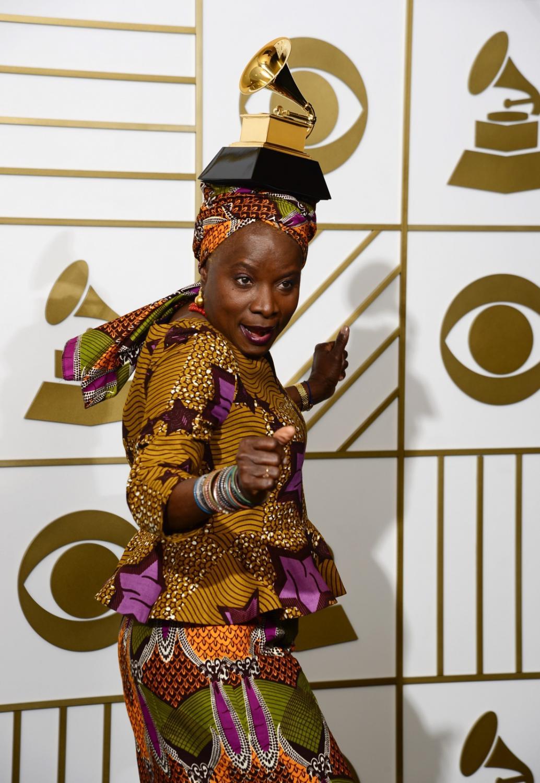 Najzabawniejsze zdjęcia z Grammy 2016: Angelique Kidjo