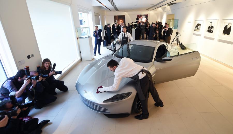 Aston Martin Bonda trafi na aukcję