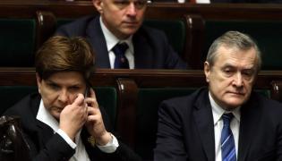Premier Beata Szydło, minister finansów Paweł Szałamacha oraz wicepremier i minister kultury Piotr Gliński