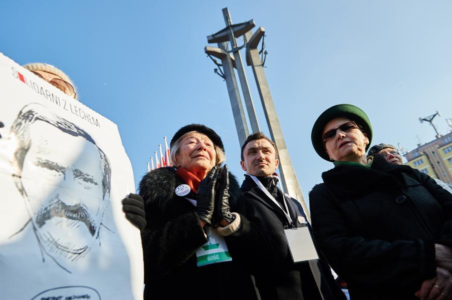 Gdańsk manifestacja KOD w obronie Lecha Wałęsy