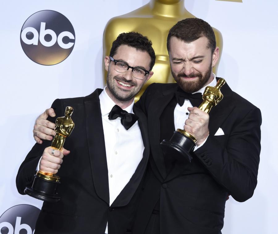 """Oscary 2016 – najlepszy utwór: """"Writing's On The Wall"""" z filmu """"Spectre"""", Jimmy Napes, Sam Smith"""