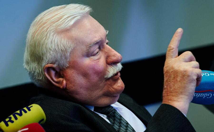 Były prezydent RP Lech Wałęsa podczas konferencji prasowej w Europejskim Centrum Solidarności w Gdańsku
