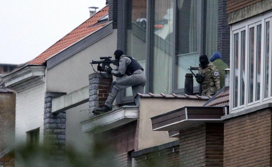 Akcja policji przeciwko terrorystom w Brukseli. Nie żyje jeden podejrzany