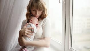 Matka i płaczące dziecko