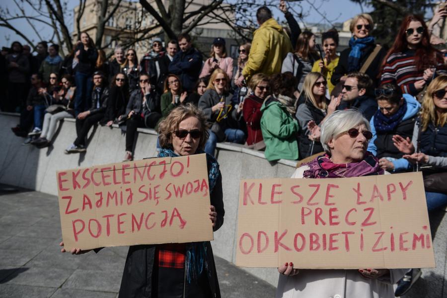 Manifestacja przeciwko ustawie antyaborcyjnej