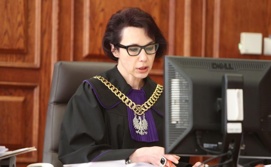 Sędzia ogłasza wyrok