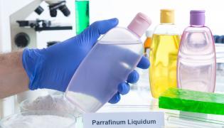 Kosmetyki w laboratorium chemicznym