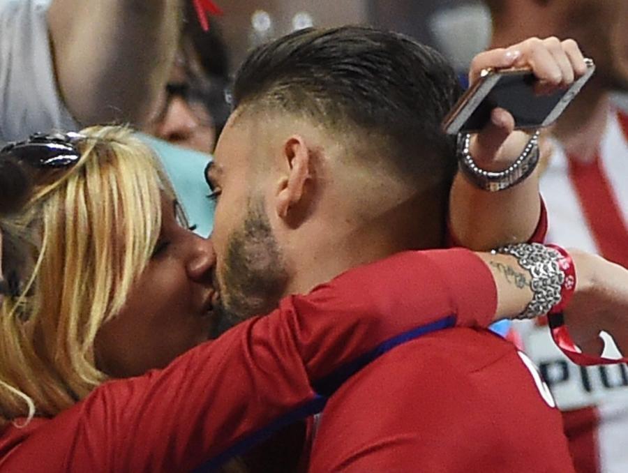 Miss Belgii cichą bohaterką finału Ligi Mistrzów. To ją po golu całował Yannick Carrasco