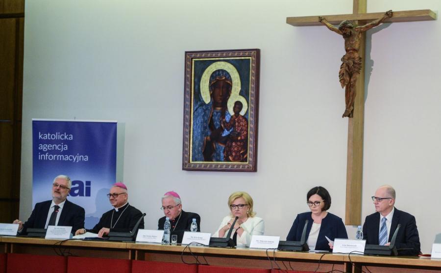 Konferencji prasowej nt. ogłoszenia ostatecznego programu wizyty Ojca Świętego Franciszka w Polsce