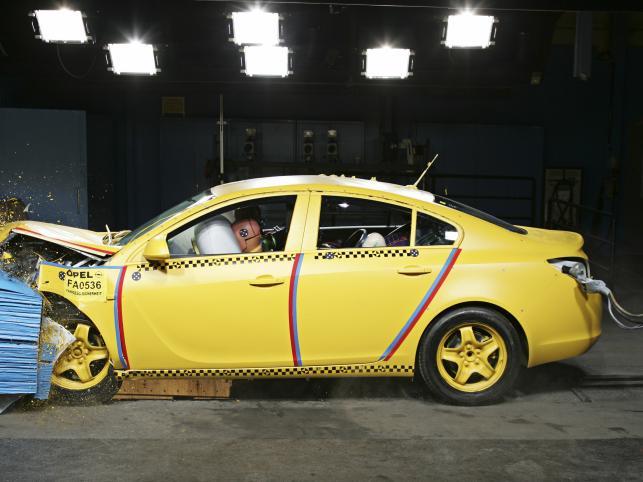 W teście Euro NCAP Insignia dostała najwyższą notę - 5 gwiazdek