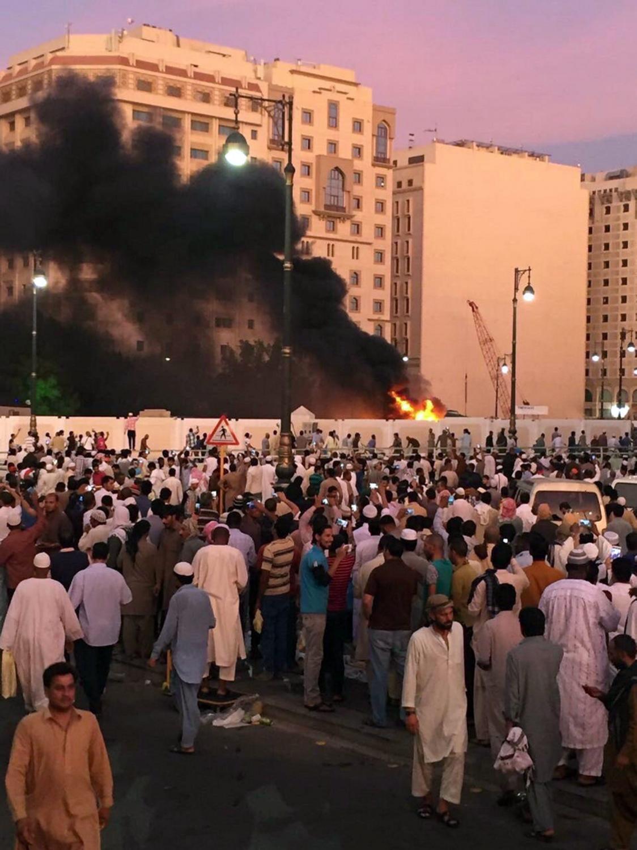 Samobójczy zamach bombowy w pobliżu Meczetu Proroka w Medynie