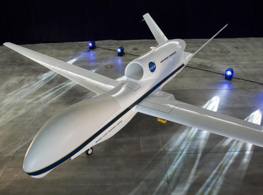 Szpiegowskie samoloty na usługach badaczy