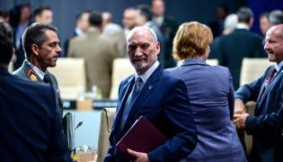 Antoni Macierewicz na szczycie NATO