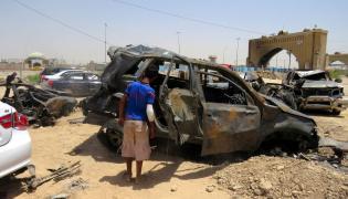 Auto wypełnione ładunkami wybuchowymi eksplodowało w pobliżu punktu kontrolnego w stolicy Iraku
