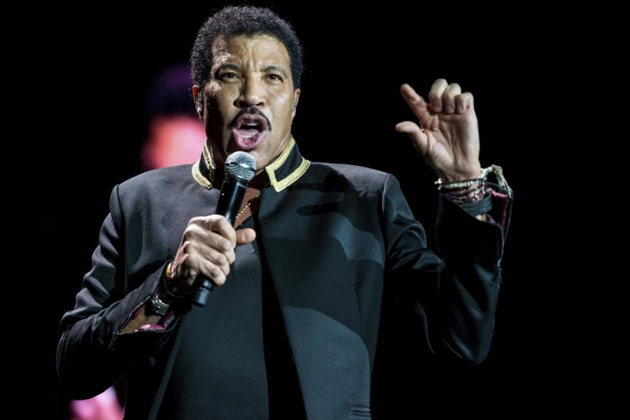 Lionel Richie podczas koncertu 2 lipca w Londynie