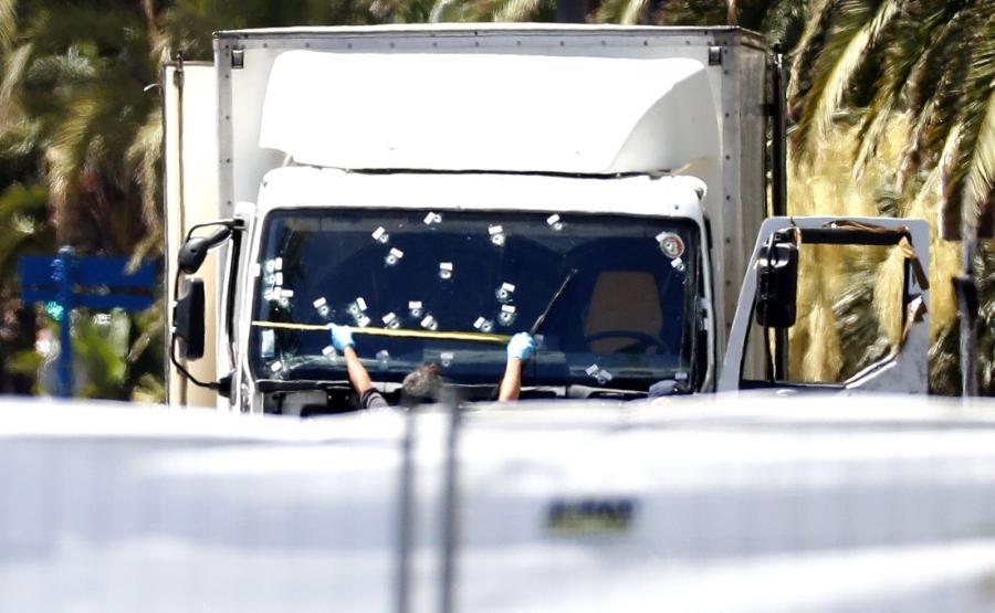 Ciężarówka którą jechał zamachowiec