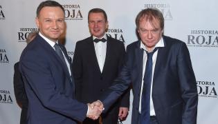 """Prezydent Andrzej Duda i reżyser Jerzy Zalewski na uroczystej premierze filmu """"Historia Roja"""""""
