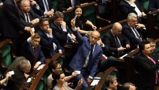 Borys Budka w czasie głosowanie w Sejmie