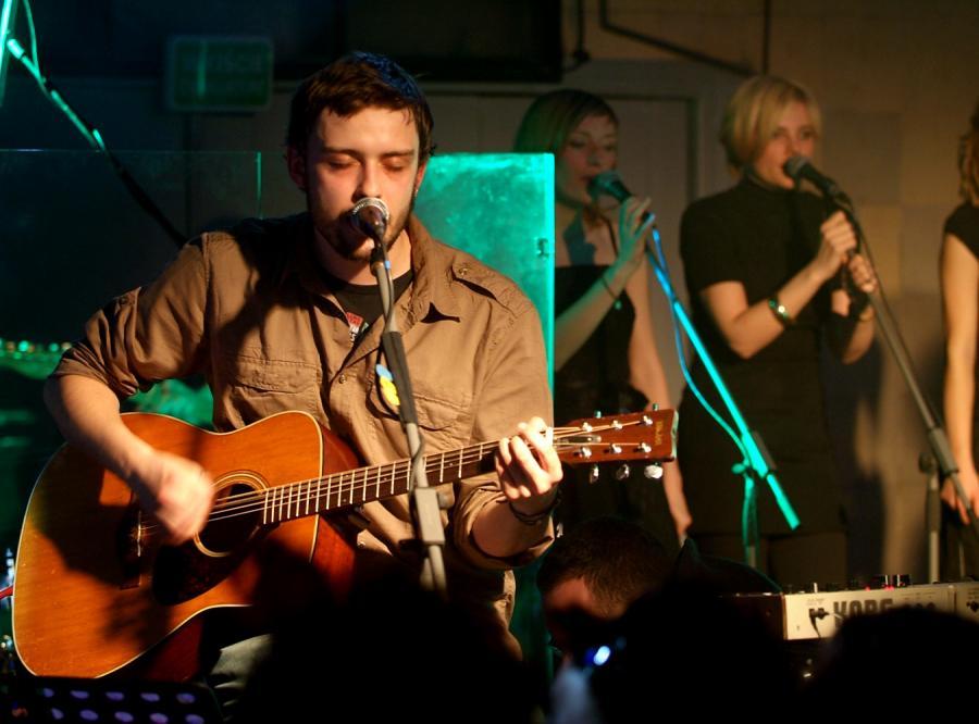 Podczas koncertów Silver Rocket wspierają go Tomek Makowiecki i członkowie Loco Star