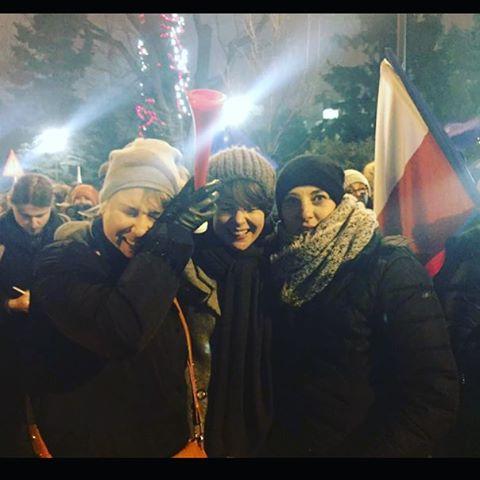 Karolina Korwin Piotrowska na demonstracji KOD