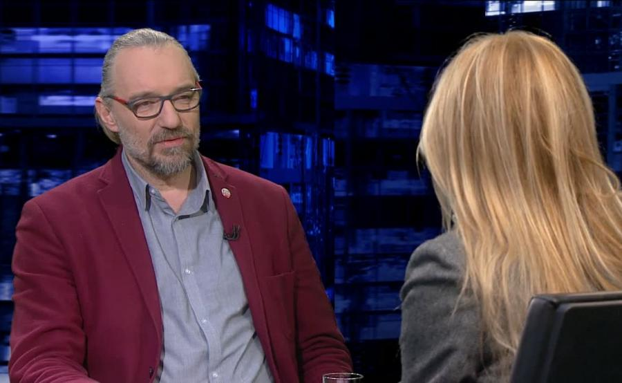 Lider KOD Mateusz Kijowski w programie Moniki Olejnik