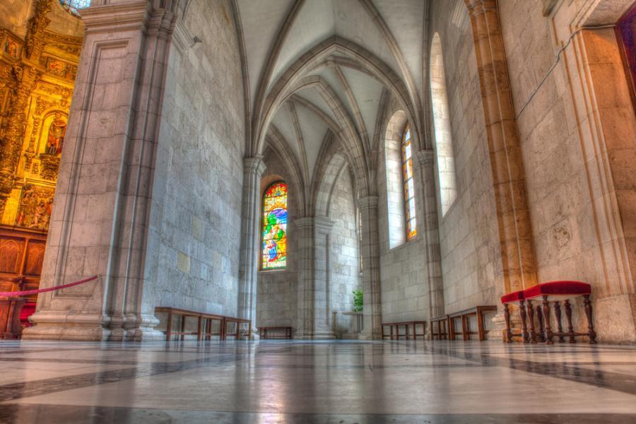 Katedra gotycka z XIII wieku w hiszpańskim Santander