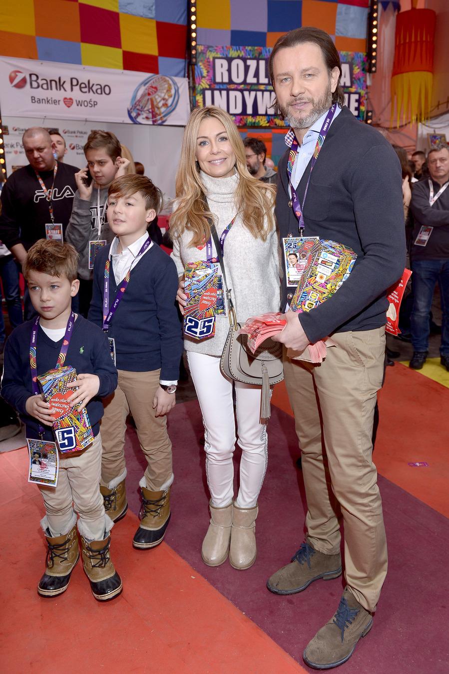 Małgorzata i Radosław Majdanowie z synami