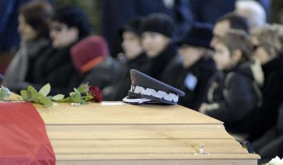 Wdowy po poległych pilotach: najgorsze przed nami