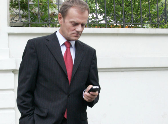 Dlaczego Tusk nie odebrał telefonu od Obamy